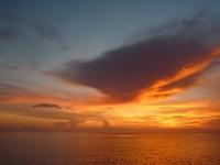 Sonnenuntergang auf offener See (Ozean)