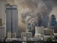 central-world-bangkok-ausgebrannt-9