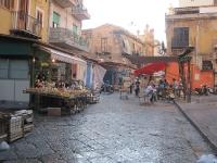 Strassenmarkt in Sizilien Palermo