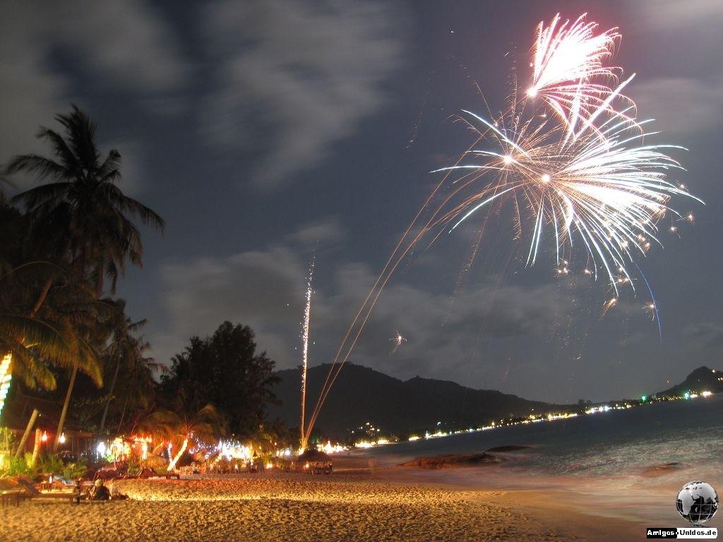 Sylvestervorbereitung am Strand Koh Samui