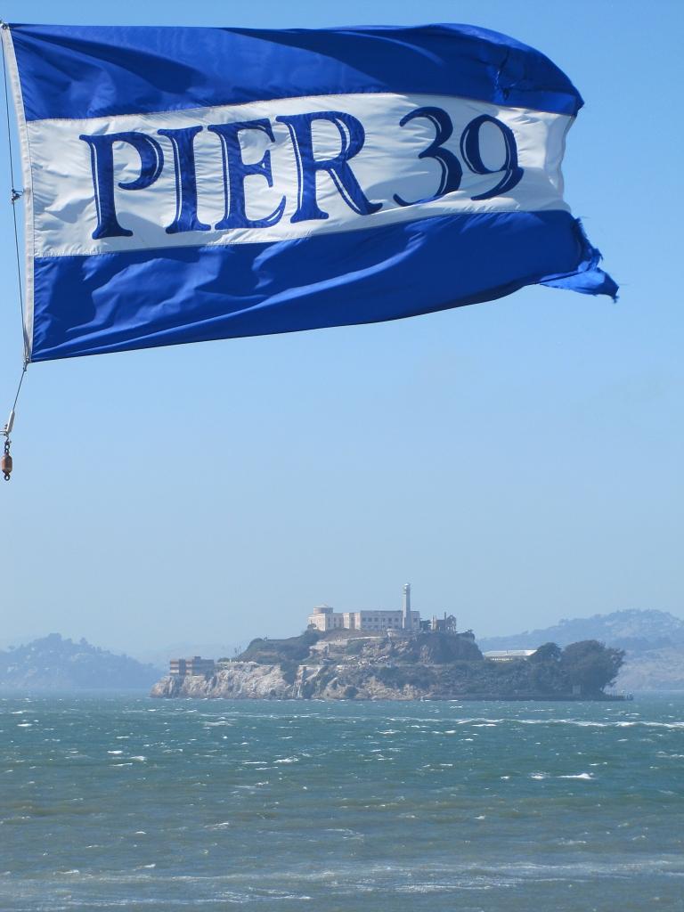 Pier 39 sicht auf Alcatraz