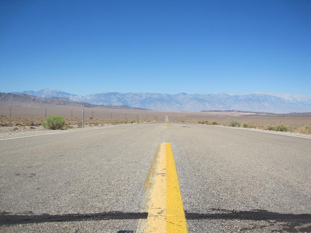 Death Valley  - Kein Auto, einfach niemand